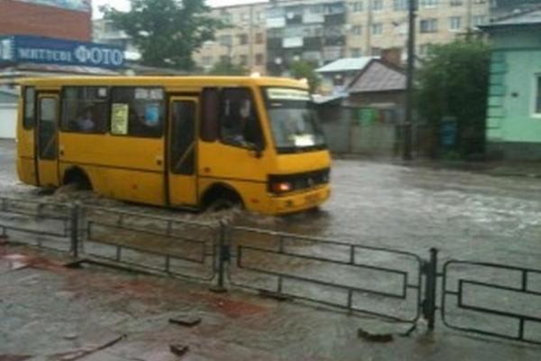 За три дні дощів у Тернопільській області затопило 150 населених пунктів