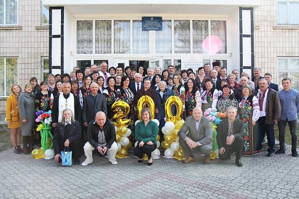 Школа у Королівці, що на Борщівщині, відсвяткувала двохсотріччя