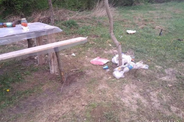 Залишають після себе гори сміття: на Тернопільщині почався сезон пікніків