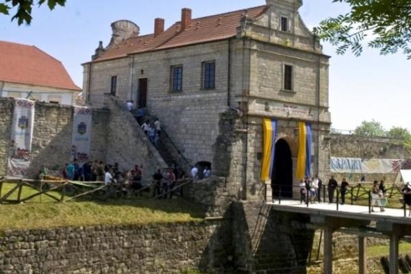 Стартує літній туристичний сезон: 12 травня гостей прийматиме Збаразький замок