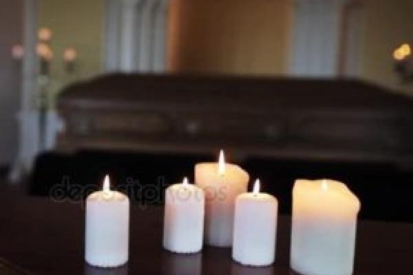 Через свічку в труні ледь не загинула дитина