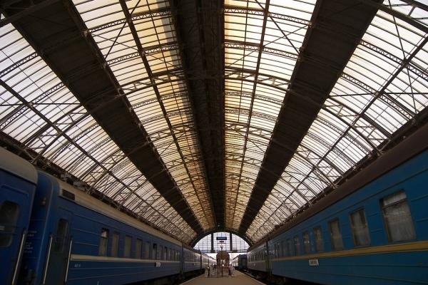 «Укрзалізниця» анонсувала запуск онлайн-продажу квитків на всі потяги до Польщі