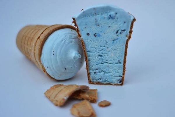 Білоруси виготовили перше в світі волошкове морозиво