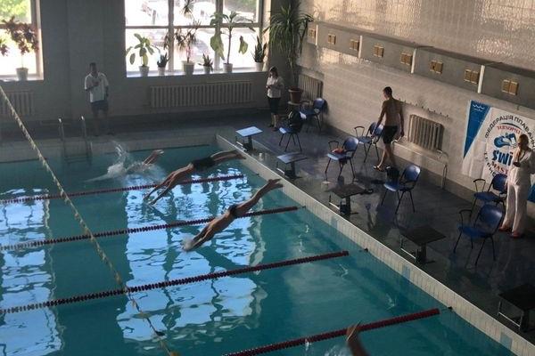 «Опілля» підтримало: У Тернополі відбувався традиційний Чемпіонат з плавання «Кубок мера»