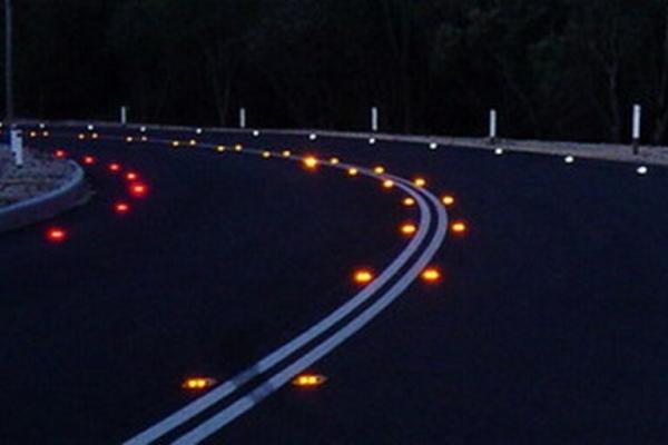 Для безпеки водіїв дороги Тернопільщини можуть освітити новою світловою розміткою