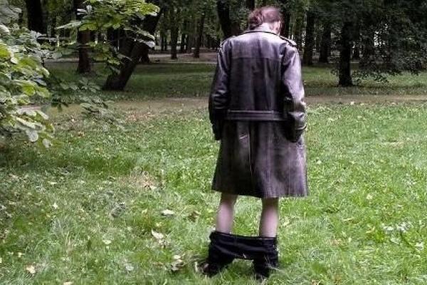 Тернопільським парком розгулює ексгібіціоніст