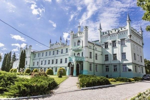 Туристичне Тернопілля: Білокриницький замок – під оберегом Івана Мазепи
