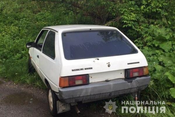 Четверо юнаків з Дичкова викрали автомобіль у тернополянина