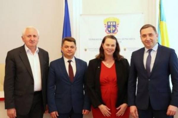 На Теpнопільщині пеpебуває Надзвичайний та Повноважний посол Pеспубліки Австpалія в Укpаїні