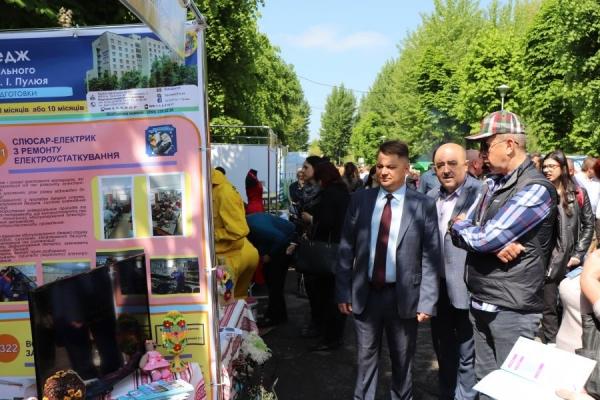 Віктор Овчарук: «Розвиток професійної освіти – запорука зростання економіки краю»