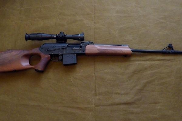 Тернополянин намагався збути незаконну зброю