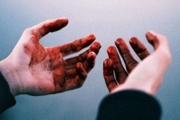 У Кременецькому районі 35-річного чоловіка знайшли мертвим: стояв на колінах у крові