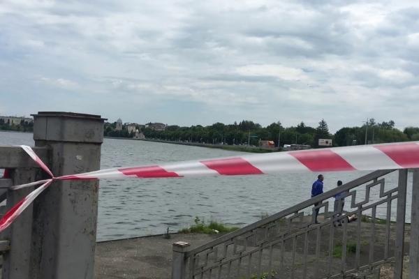 Поліцейські втановили особу потельника, якого знайшли на Тернопільському ставі