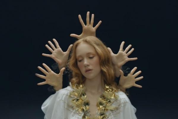 Тернополянка знялася в кліпі скандального російського гурту