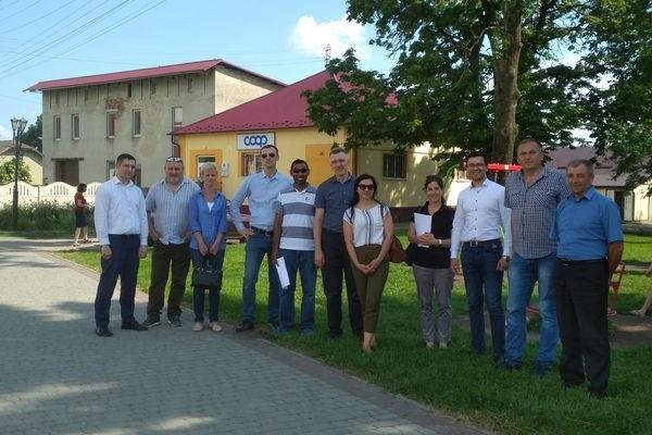В Іванівську ОТГ на Теребовлянщині  завітали американські та українські експерти програми DOBRE