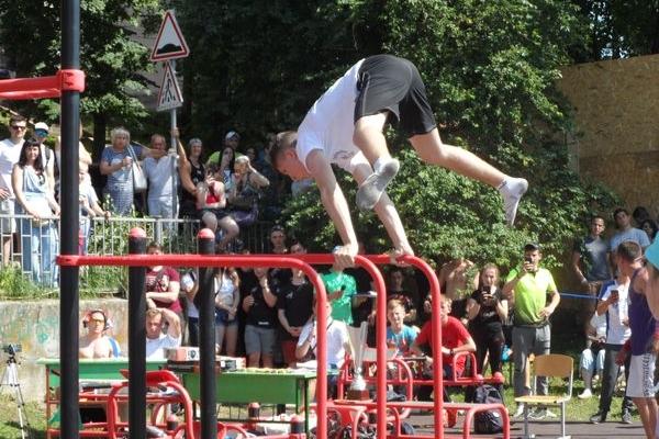 Змагались на перекладинах, брусах, кільцях - на Циганці пройшов перший чемпіонат по Street Workout