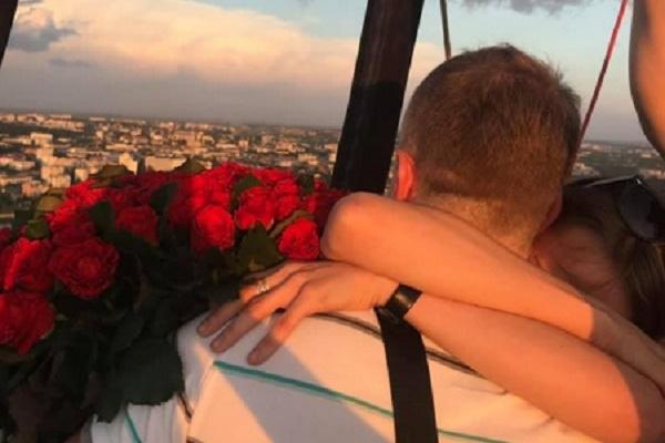 Романтика у небі: Тернополянин освідчився коханій попід хмарами (Фото)