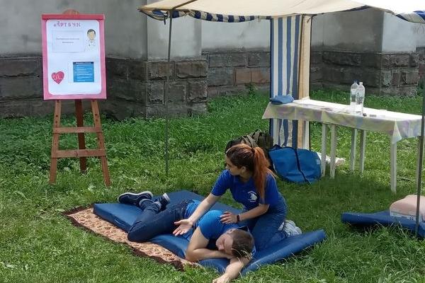 На Тернопільщині відбувся майстер-клас з надання невідкладної долікарської допомоги за євростандартами