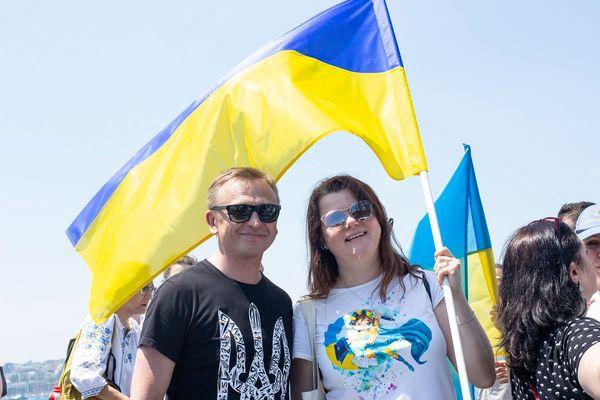 Тернополянин у Туреччині зустрічав кримськотатарський прапор, що об'їхав 27 країн світу - «Об'єднані прапором - #LiberateCrimea»