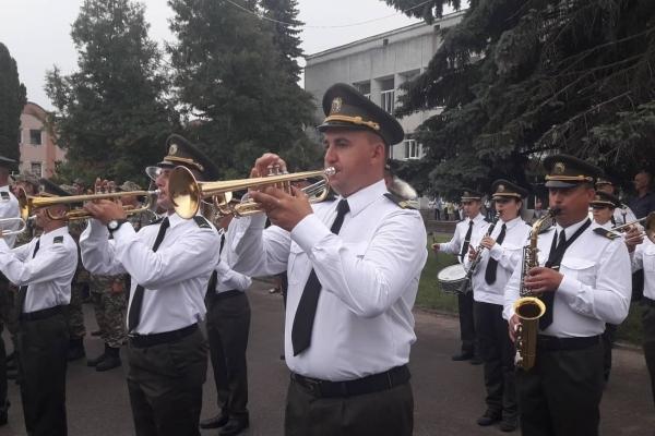 У Тернопільській області курсанти святкують випускний