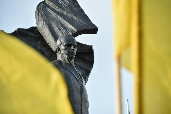 Тернопіль стає  на захист  українських цінностей