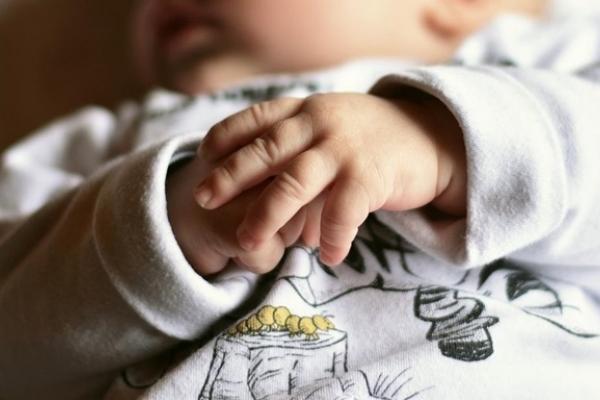 У Кременці через п'яну матір травмувалось немовля