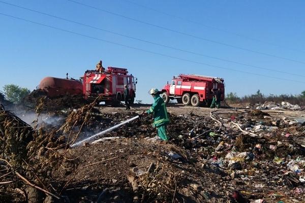 У Лановецькому районі на полігоні горіло сміття