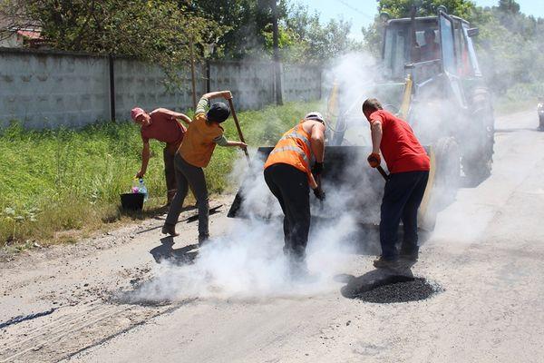 У Бережанах ремонтують дороги