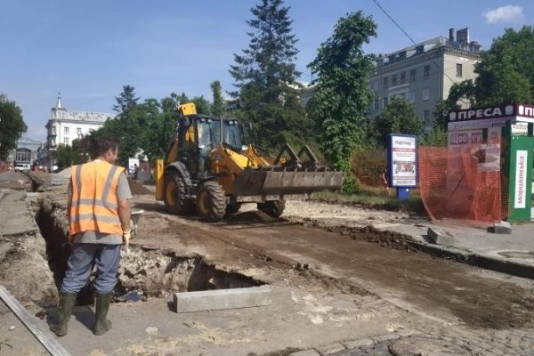 У Тернополі триває  реконструкція скверу  Чорновола