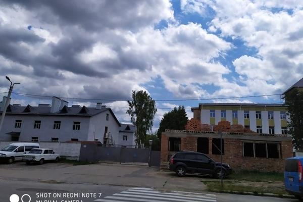 У місті на Тернопільщині завершують будівництво військового гарнізону