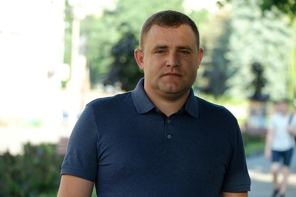 На замовні наклепи конкурентів кандидат Іван Ковалик відповів твердо і відверто