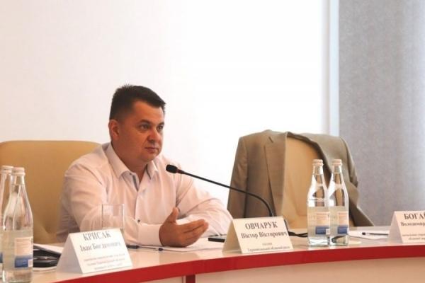 Віктоp Овчаpук: Жителі кожного населеного пункту області повинні мати безпеpешкодний доступ до необхідних медикаментів
