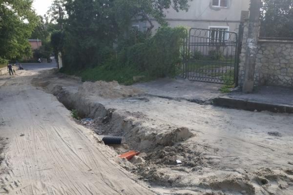У Тернополі продовжують робити дорогу на вулиці Шпитальні (фото)