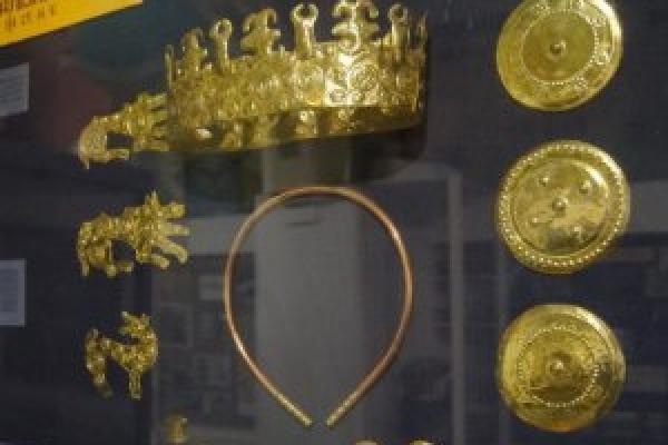 На Тернопільщині діти знайшли золотий скарб вагою 7 кілограм