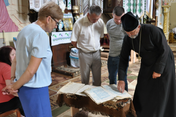 В селі на Тернопільщині є книги, яким понад три століття давності