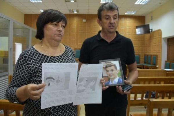 Адвокати шокують батьків 20-річного юнака, який загинув після побиття біля «Алюру»