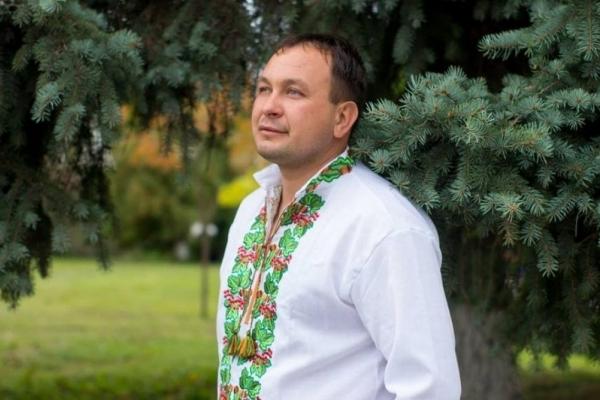 П'яна односельчанка вночі відгамселила відомого священника з Тернопільщини