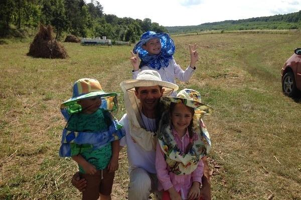 На Тернопільщині дітям показали де береться смачний мед