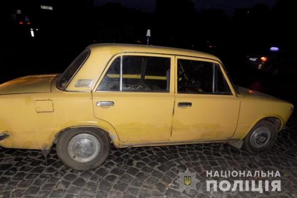 П'яні молодики вкрали автомобіль, щоб розважитися