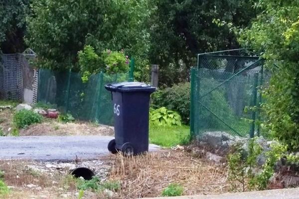 На Тернопільщині, люди отримують індивідуальні сміттєві баки
