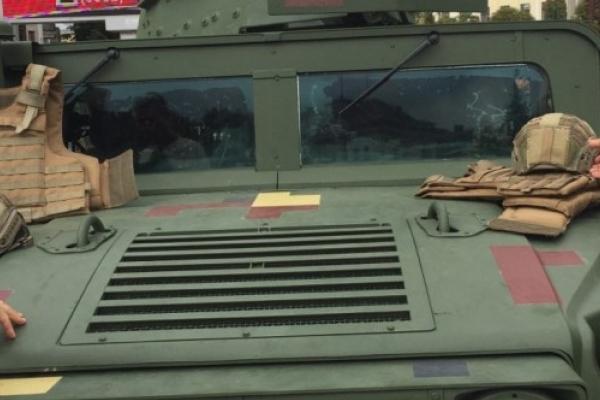 Львівські десантники покажуть жителям Збаража броньований військовий «Хаммер»