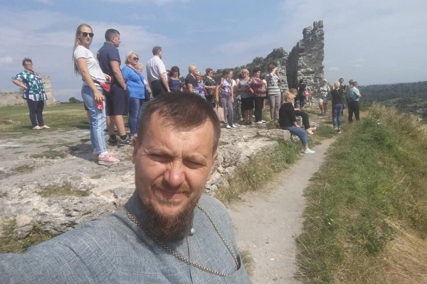 На прощу на Кременеччину з'їхалися родини загиблих військових з усієї України