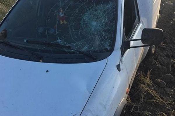 Автомобіль, який у Монастириському районі збив жінку з двома дітьми, знайшли