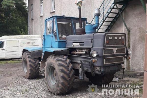 У Теребовлянському районі під колесами трактора загинув чоловік