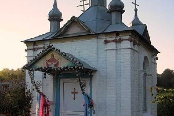Єдина в Україні капличка Великомучеників Маковеїв знаходиться на Тернопільщині