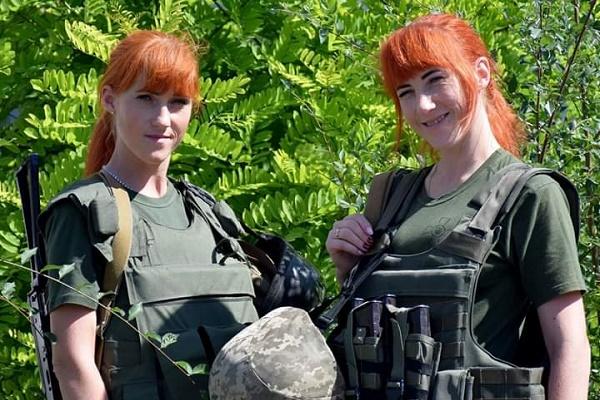 3 роки військової служби святкують близнята Любов та Надія Сімчук із 44 артилерійської бригади
