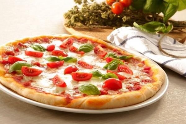 Піца домашня: рецепти, як смачно і правильно приготувати піцу