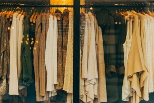 Небезпечний одяг із секонд-хенду: що треба знати