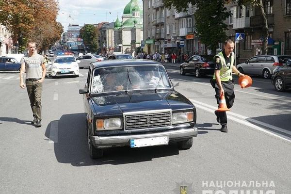 У Тернополі, автомобіль наїхав на жінку на пішоході