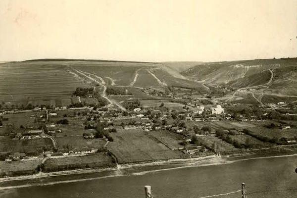 Іване-Золоте на Тернопільщині на столітніх фото